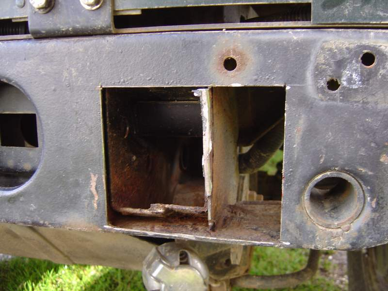 Remise en état d'une Traverse Arrière de DEFENDER Ts12